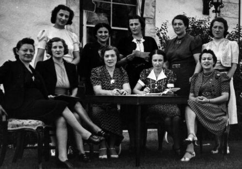 Hadassah meeting, Winnipeg, 1941