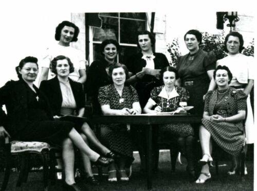 Hadassah meeting at 404 Waverley Street, Winnipeg, c.1941 (JM 2786)
