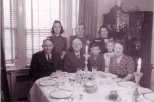 Kanee Family Seder 1941