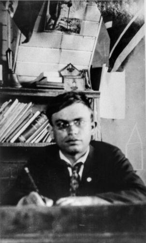 Louis Rosenberg at his desk,