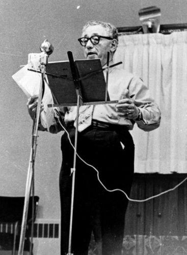 Noah Witman, broadcasting his Yiddish radio program