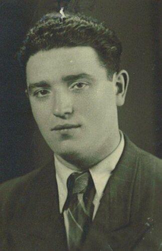 Rabbi Peretz Weizman at age 25