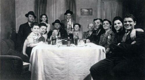Shore and Shatz Family Passover c. 1940